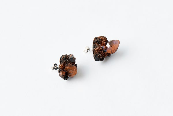 Image of CRYSTAL CLUSTER STUD - Black Dawn
