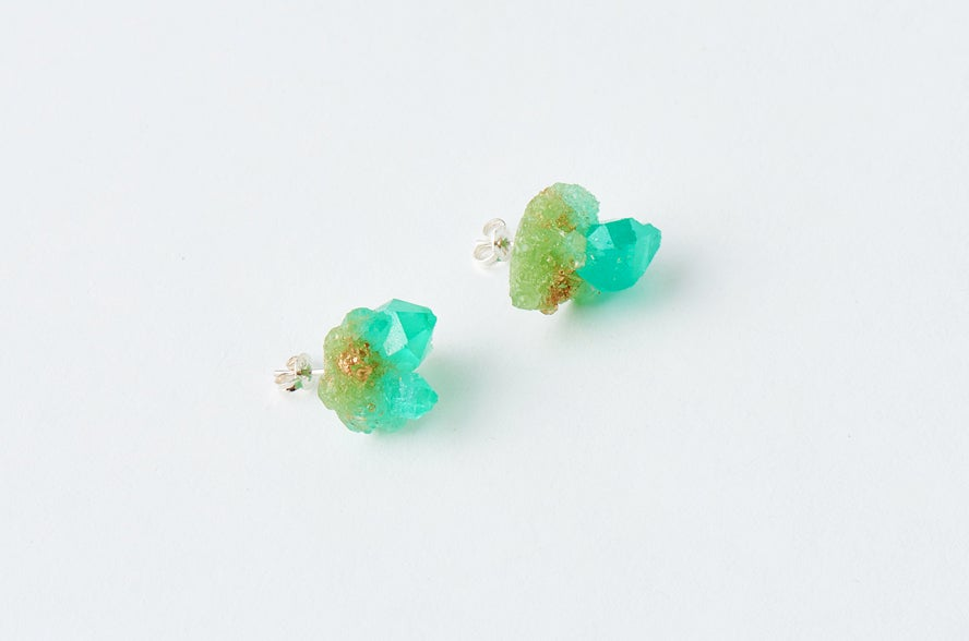 Image of CRYSTAL CLUSTER STUD - Peppermint
