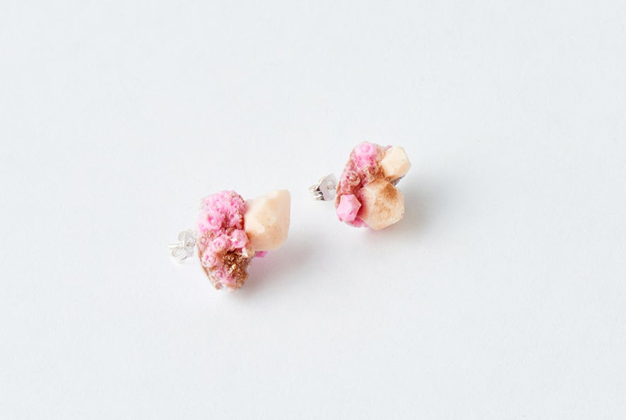 Image of CRYSTAL CLUSTER STUD - Bubblegum
