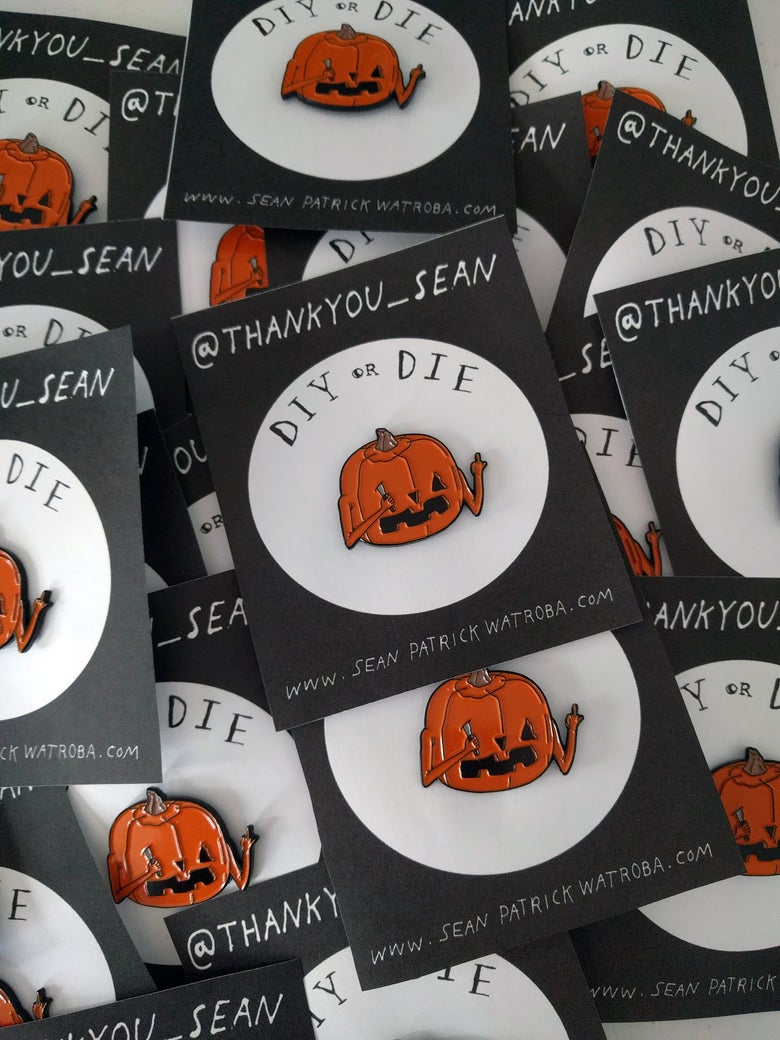 Image of DIY PUMPKIN - Enamel Pin