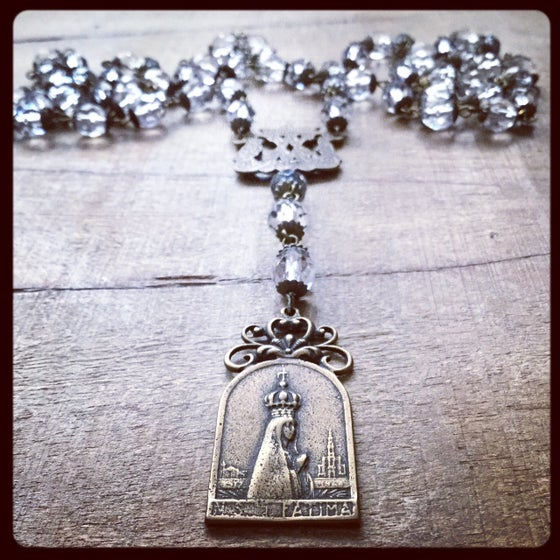 Image of OUR LADY OF FATIMA RAINHA DE PAZ NECKLACE