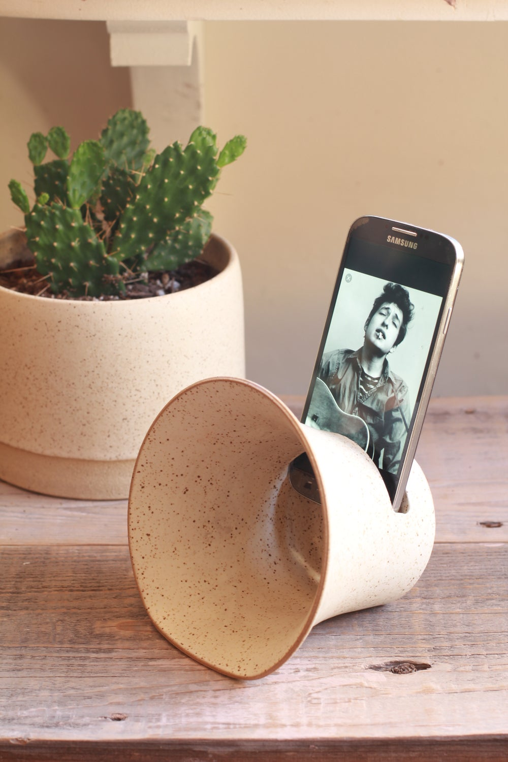 Image of Ceramic Phone Amplifier