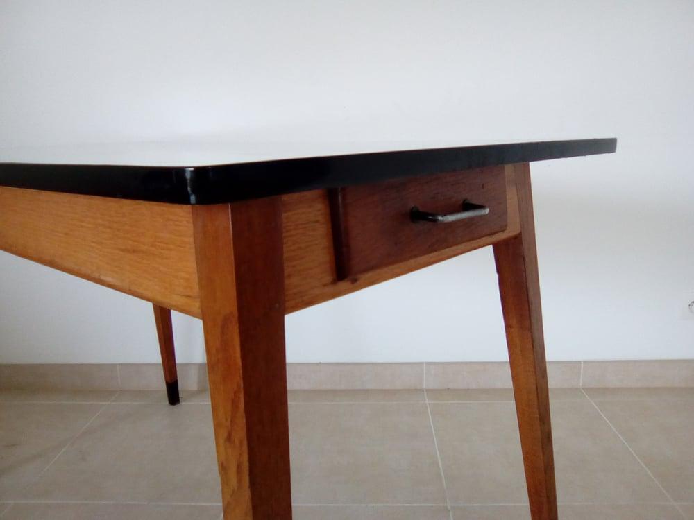 Image of Table en formica rétro pieds compas