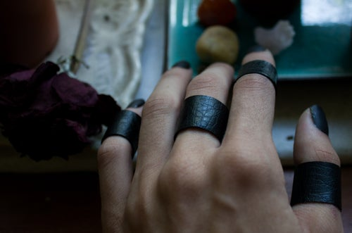 Image of Finger Cuff Band