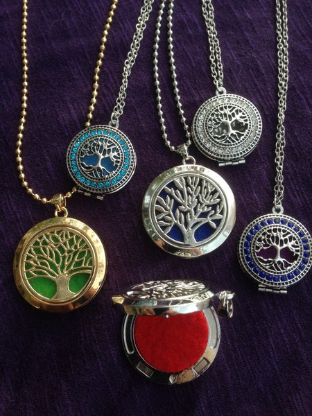 Image of Aromatherapy Pendants - Tree Motif