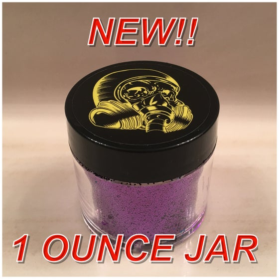 "Image of 1 OZ.  ""8 Ball"" Jar"