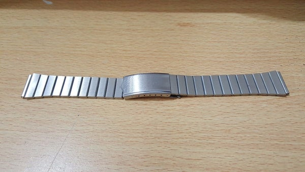 Image of SEIKO 18mm/20mm/22mm STAINLESS STEEL GENTS WATCH STRAPS,1980'S,NEW