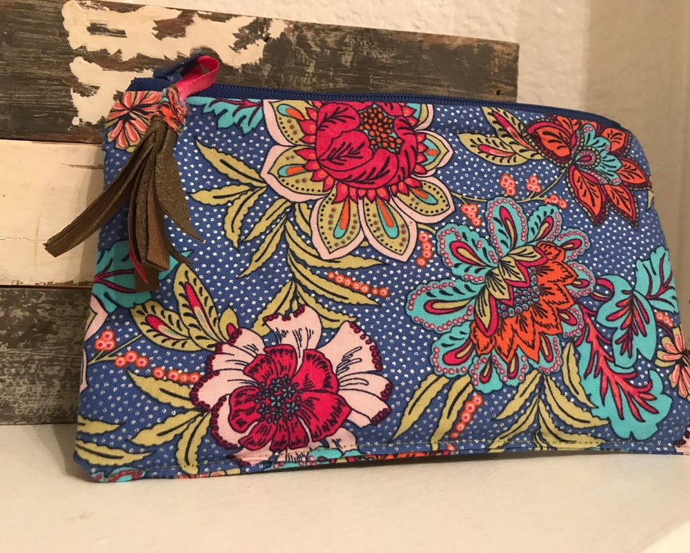 Image of Delightfully Dainty Jewelry Pouch