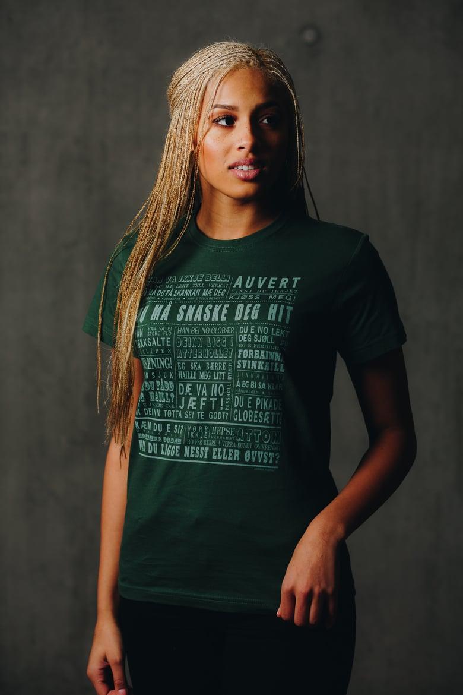 """Image of T-skjorte """"Du må snaske deg hit"""" (Senja) Grønn"""