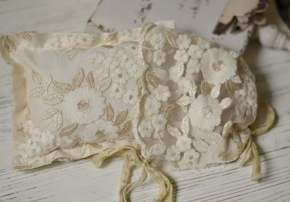 Image of Cream/beige high fashion lace pillow bonnet set