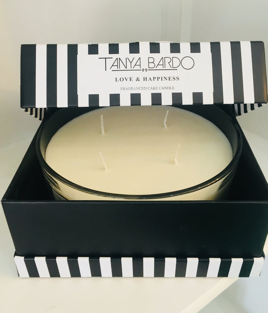 Image of Love & Happiness Cake Candle - White Jasmine