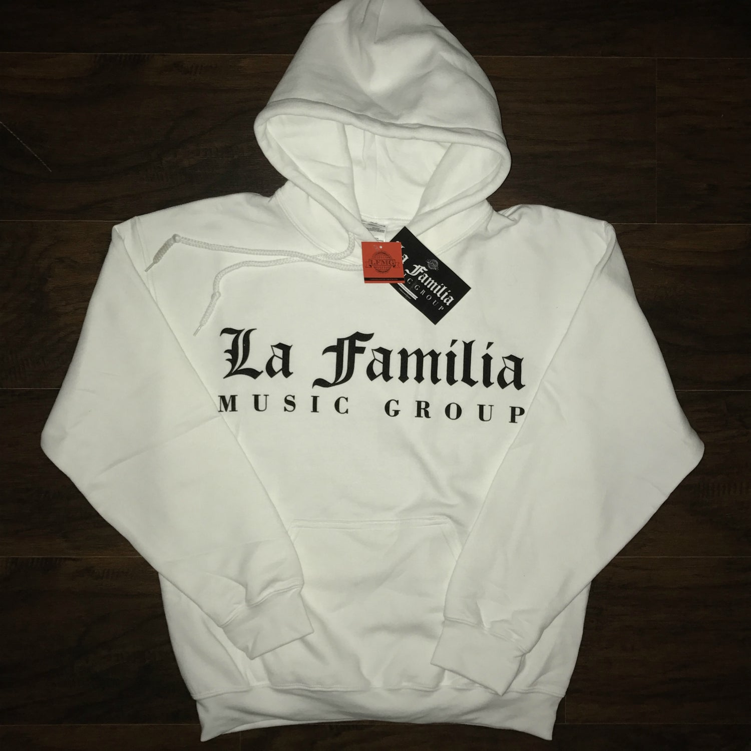"Image of LA FAMILIA MUSIC GROUP ""SNOW WHITE"" HOODIE"