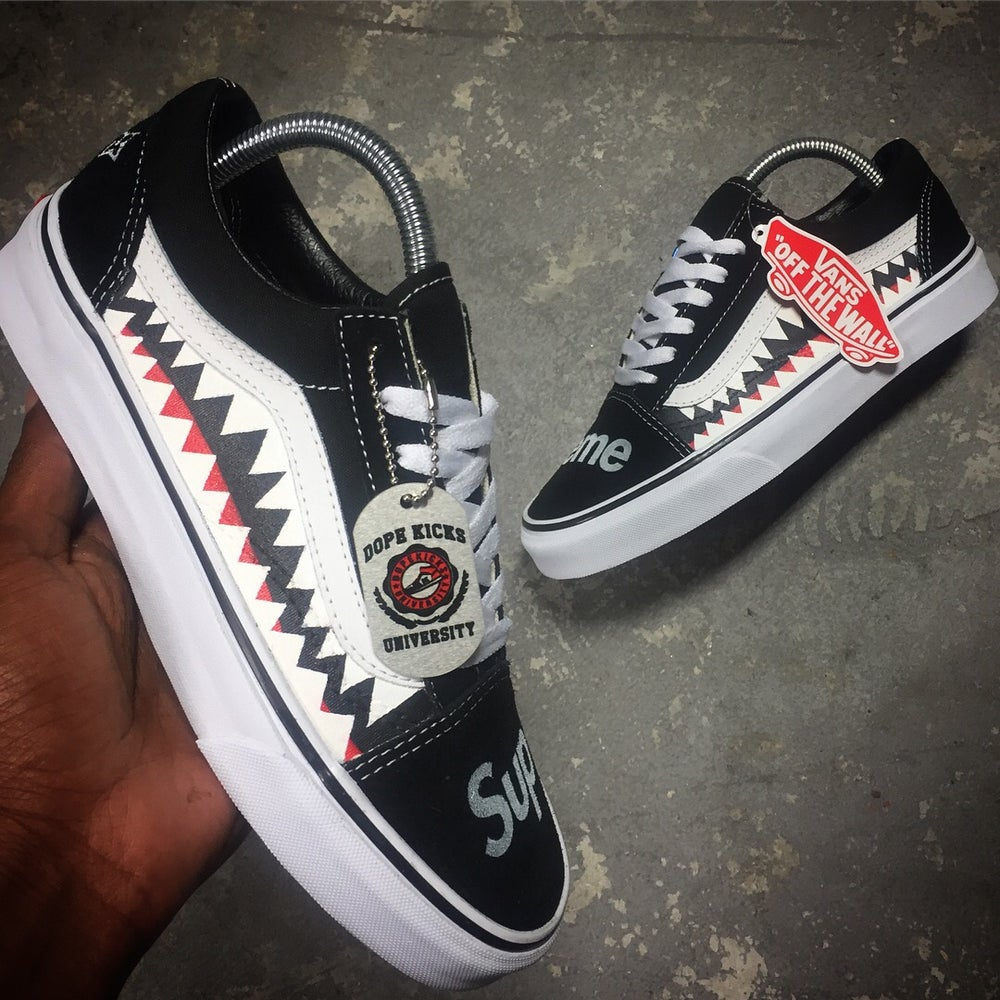bfbfc1724a08 Image of Vans Supreme x LV (Black)