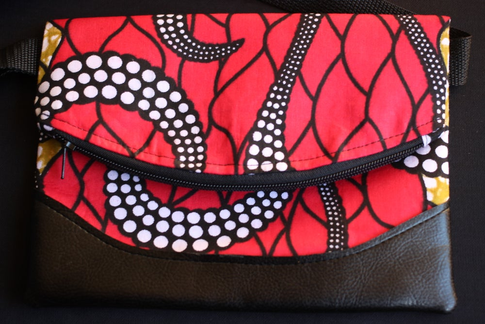 Image of Designs By IvoryB Fanny Pack-Custom Beauty