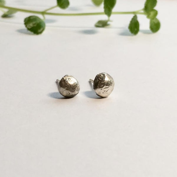 Image of Pebble studs