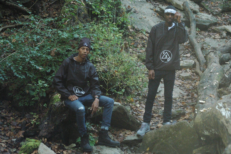 Image of Cascades Black Zip Pullover
