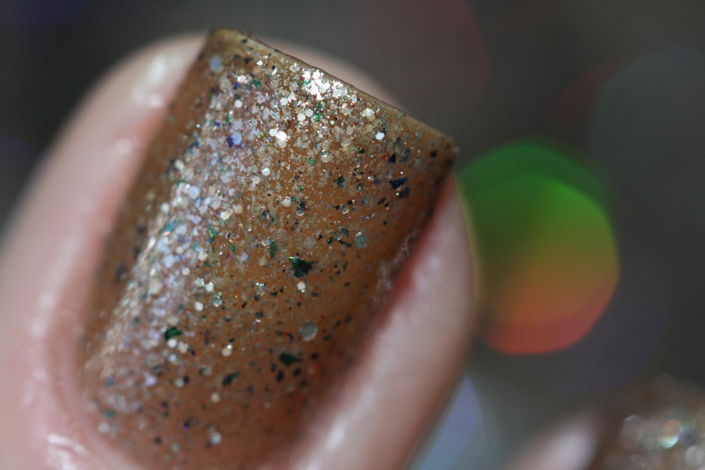 Image of ~Milquetoast~ taupe crème w/multichrome flakes and a silvery shimmer!