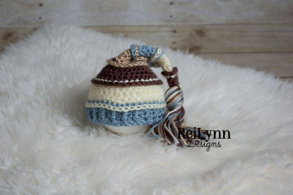 Image of Taupe, Ivory, Light Country Blue, Bone Tassel Hat