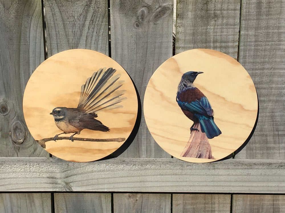 Image of Birds Round