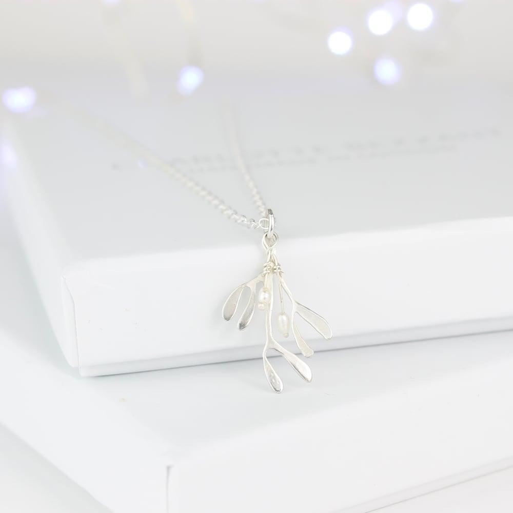 Image of Mistletoe necklace