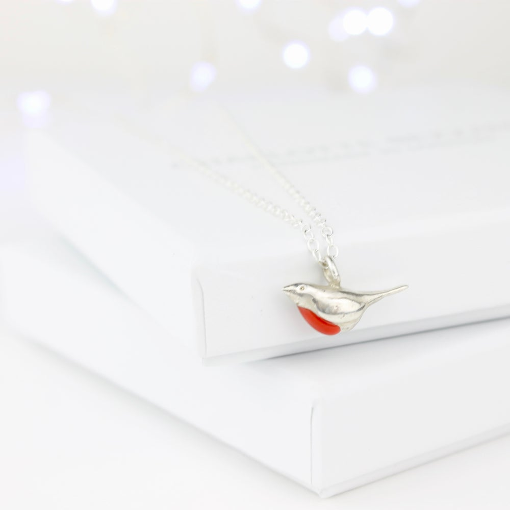 Image of Robin necklace.