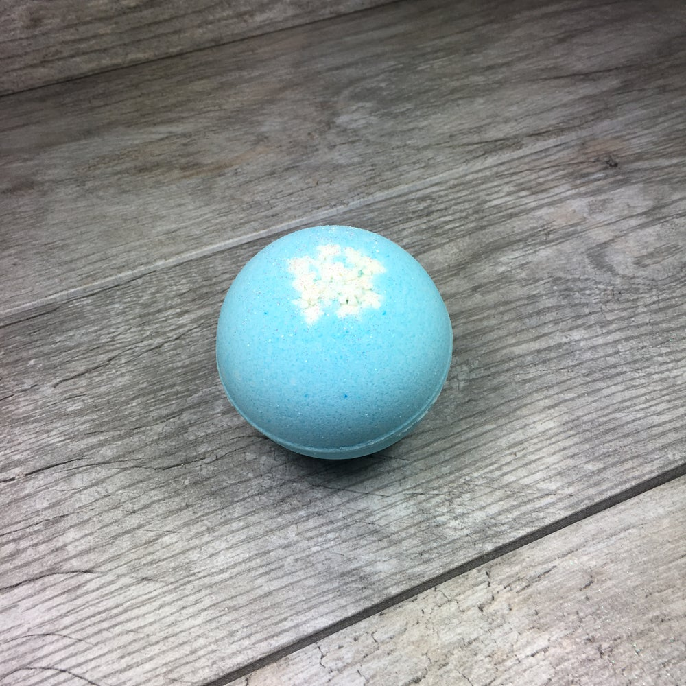 Image of Snowflake Sparkle Bath Bomb