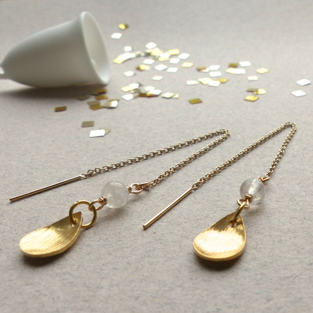 Image of Drop And Gemstone Thread Earrings