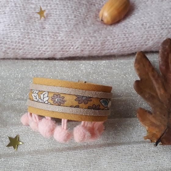 Image of Bracelet *fillette* - manchette pompons : camel/rose poudré