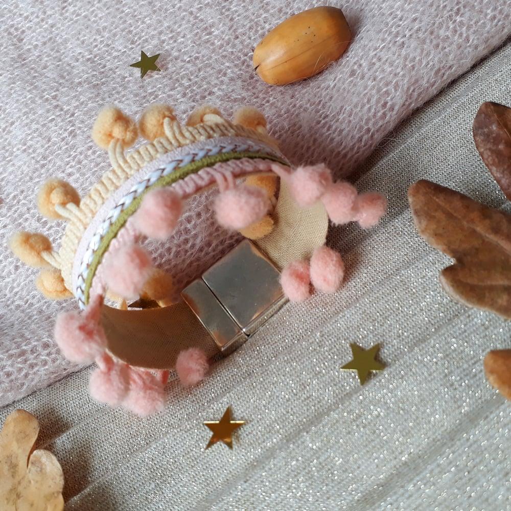 Image of Bracelet *femme* - manchette pompons : rose et beige