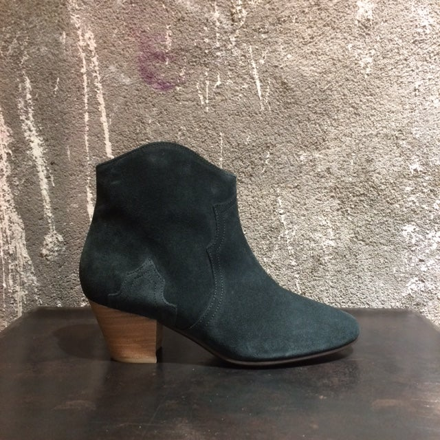 Image of ISABEL MARANT - Bottines en daim Dicker Faded Black