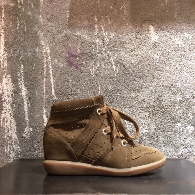 Image of ISABEL MARANT - Baskets compensées en daim Bobby Brown