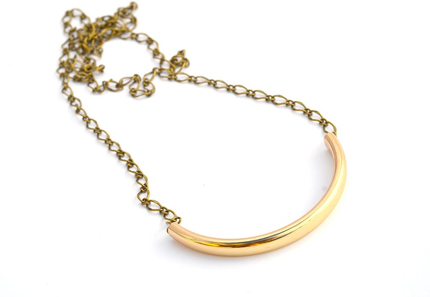 Image of simple gold bar necklace