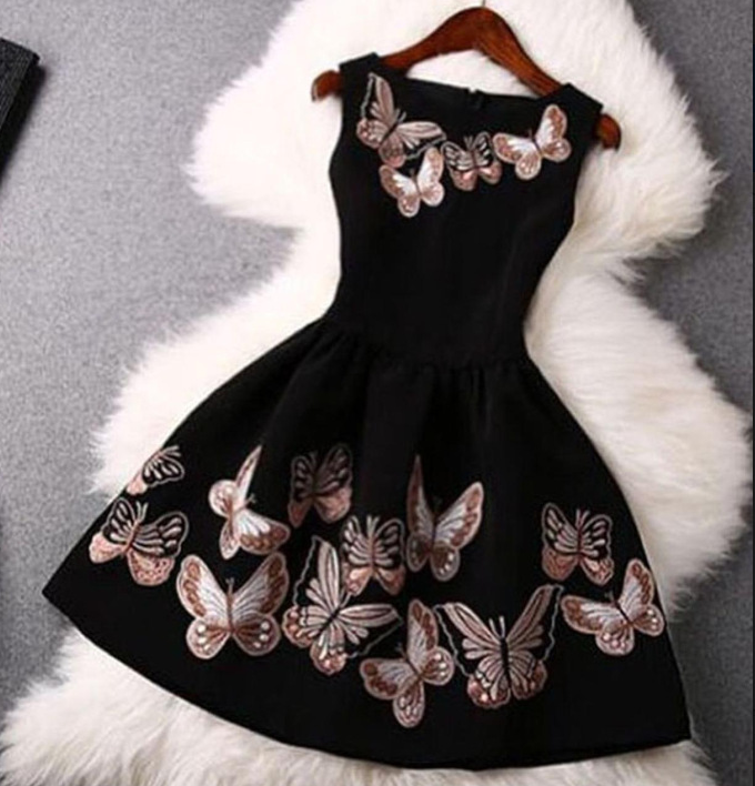 Image of Round neck sleeveless butterfly prints a large waist dress