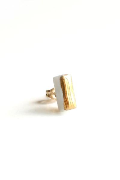 Image of gold bar earring