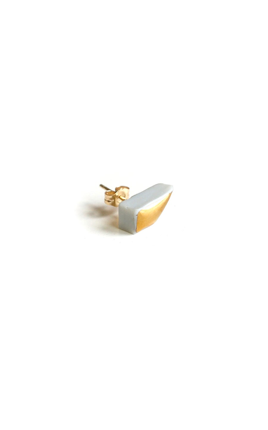 Image of gold trapezoid earring