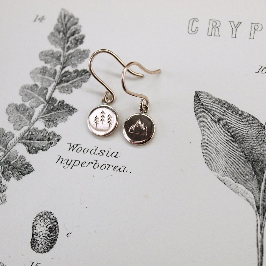 Image of *NEW* 'Wilderness' little disc earrings in silver or gold