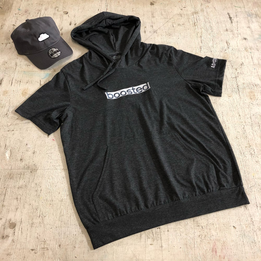 BOOSTED LONG EMBROIDERY T-SHIRT HOODY