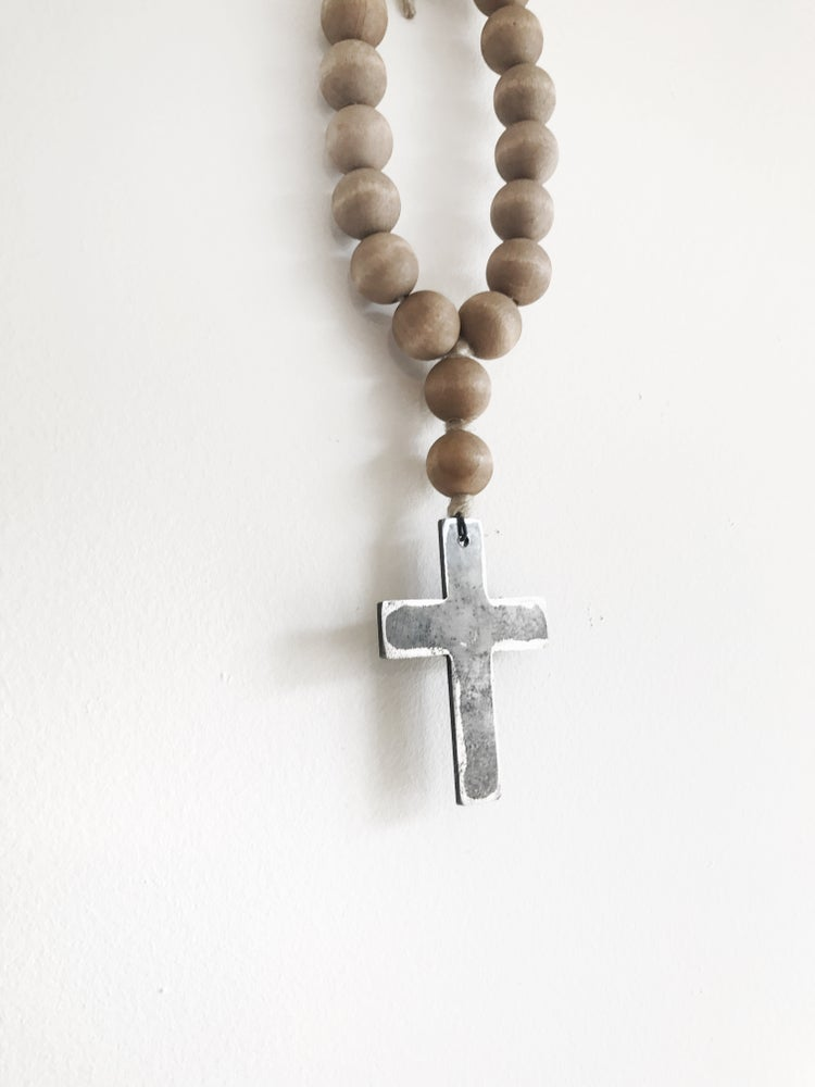 Image of MINI LOVE BEADS - BROWN CROSS-1