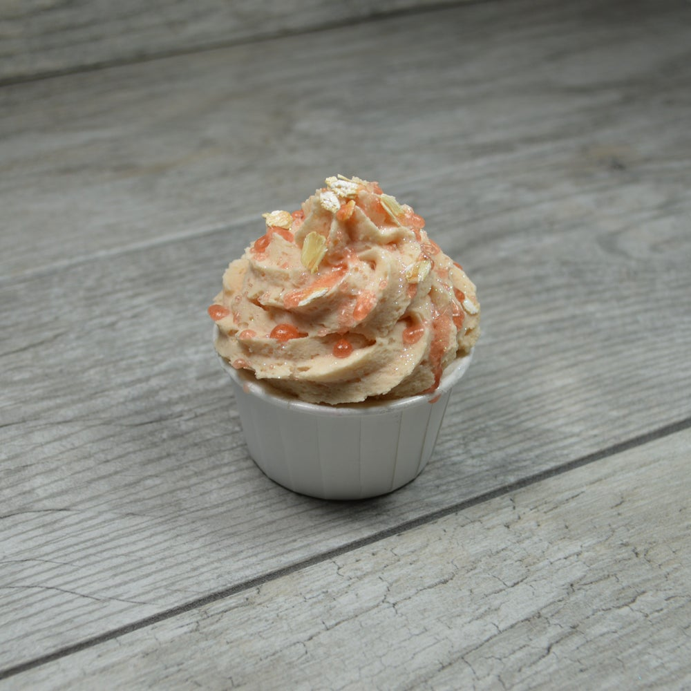 Image of Oatmeal, Milk & Honey Bath Bomb Cupcake
