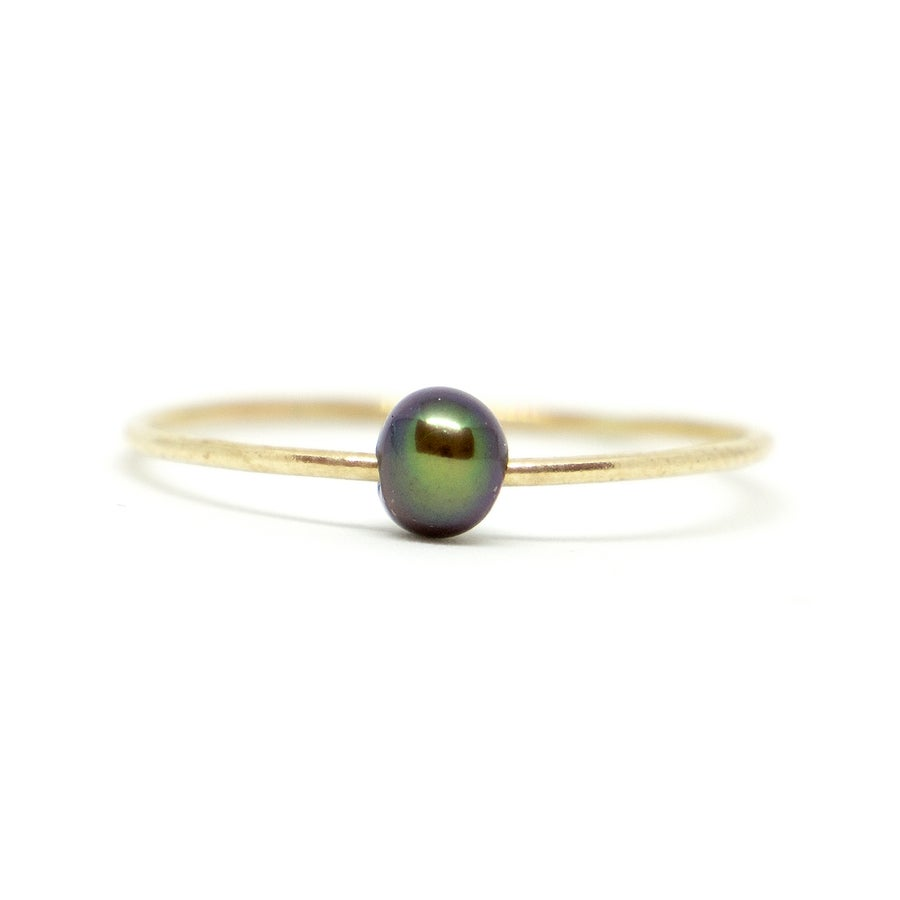 Image of Perla Nera Ring