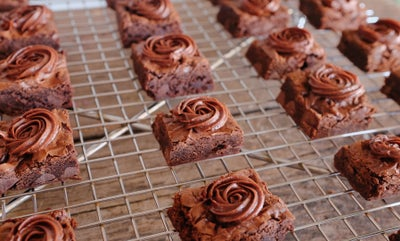 Image of Buttercream Rosette Brownie Bites (36)