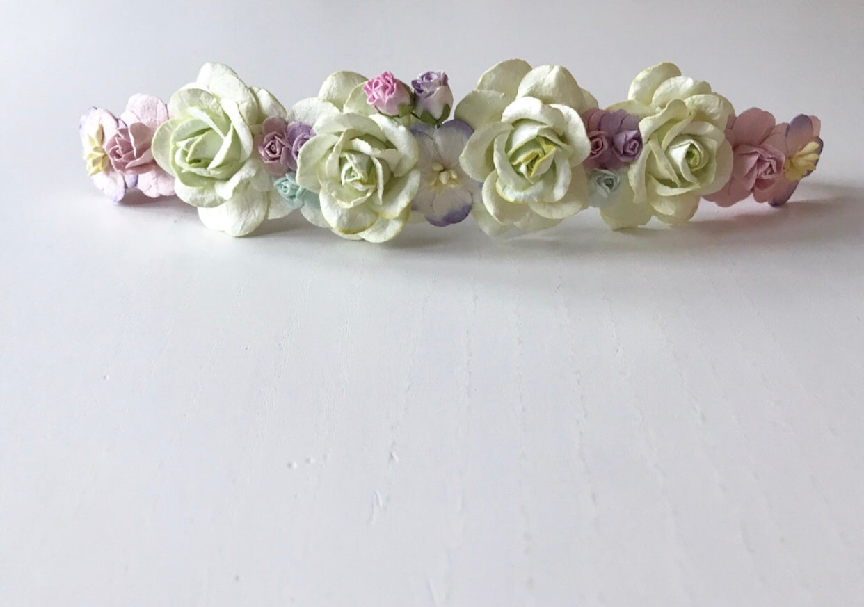 Image of PASTEL GREEN BASED HEADBANDS