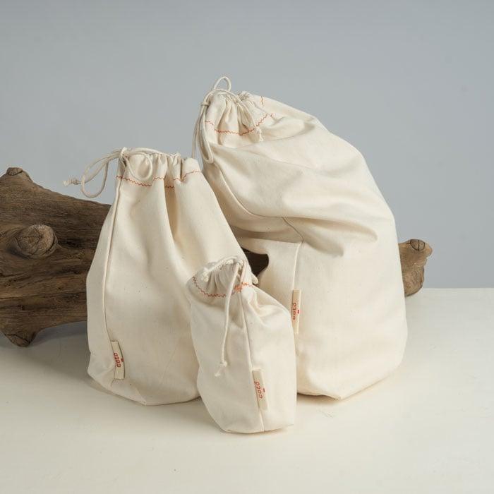 Image of Pack de 3 bosses blanques (una mida de cada) / Pack de 3 bolsas blancas (una medida de cada)