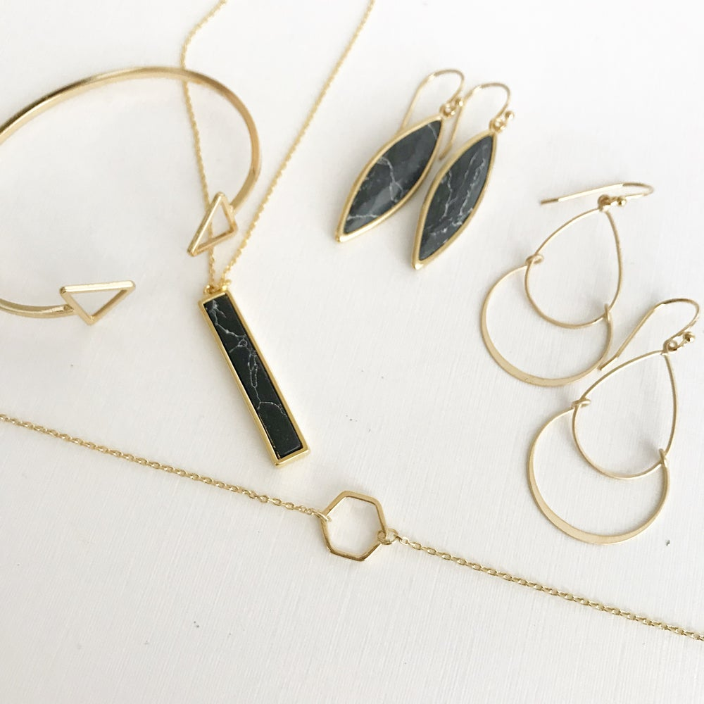 Image of Open shape necklace