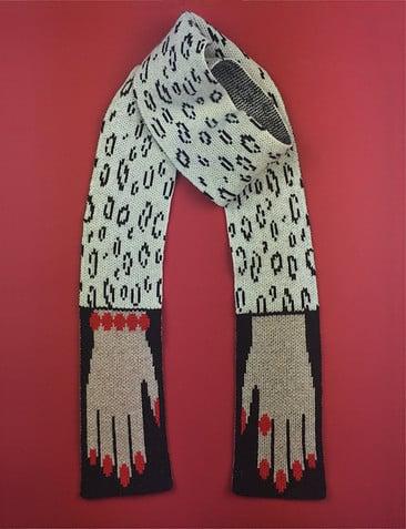Image of HUG scarf