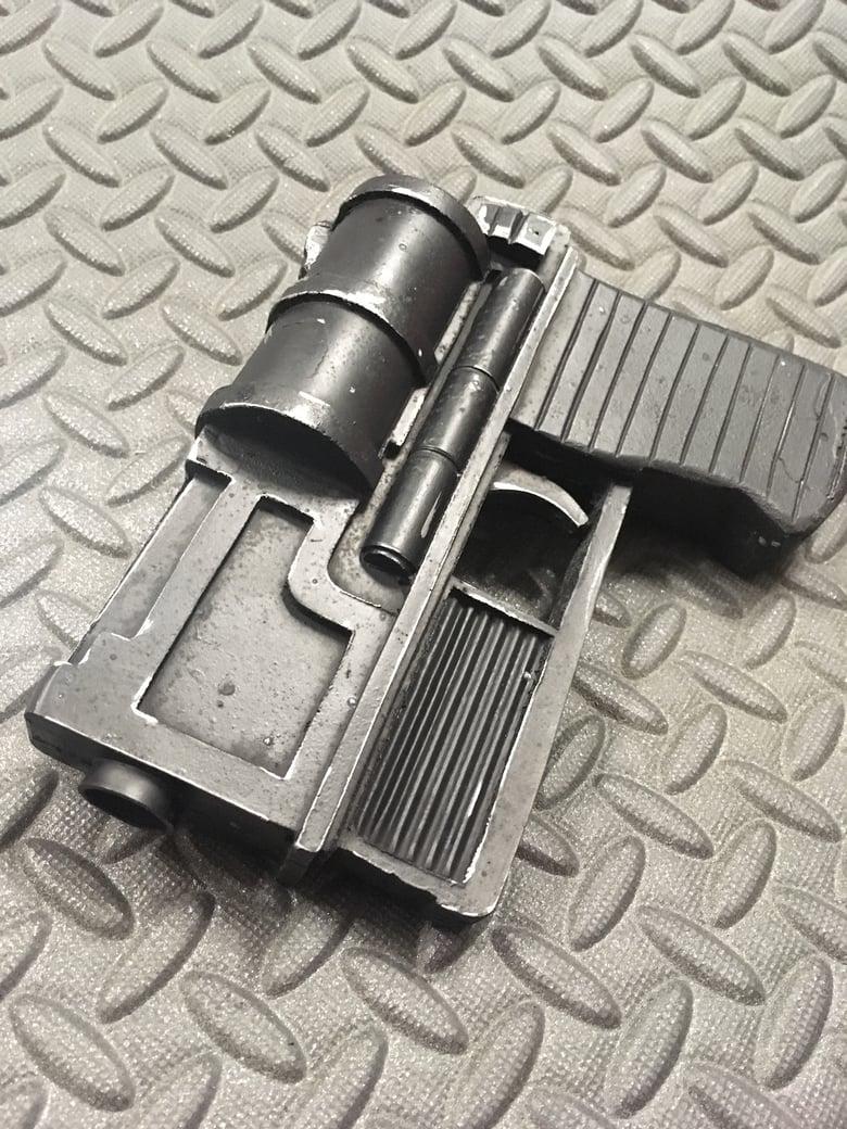 Image of Mara Jade's Holdout Blaster - Star Wars