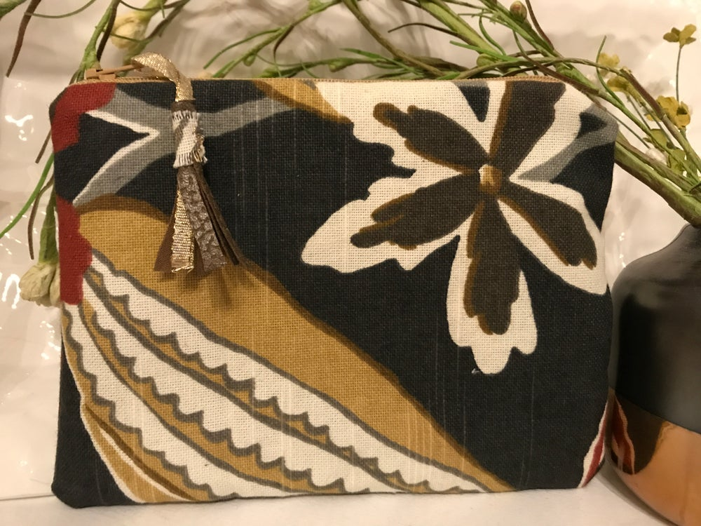 Image of Vintage Beauty Jewelry Pouch