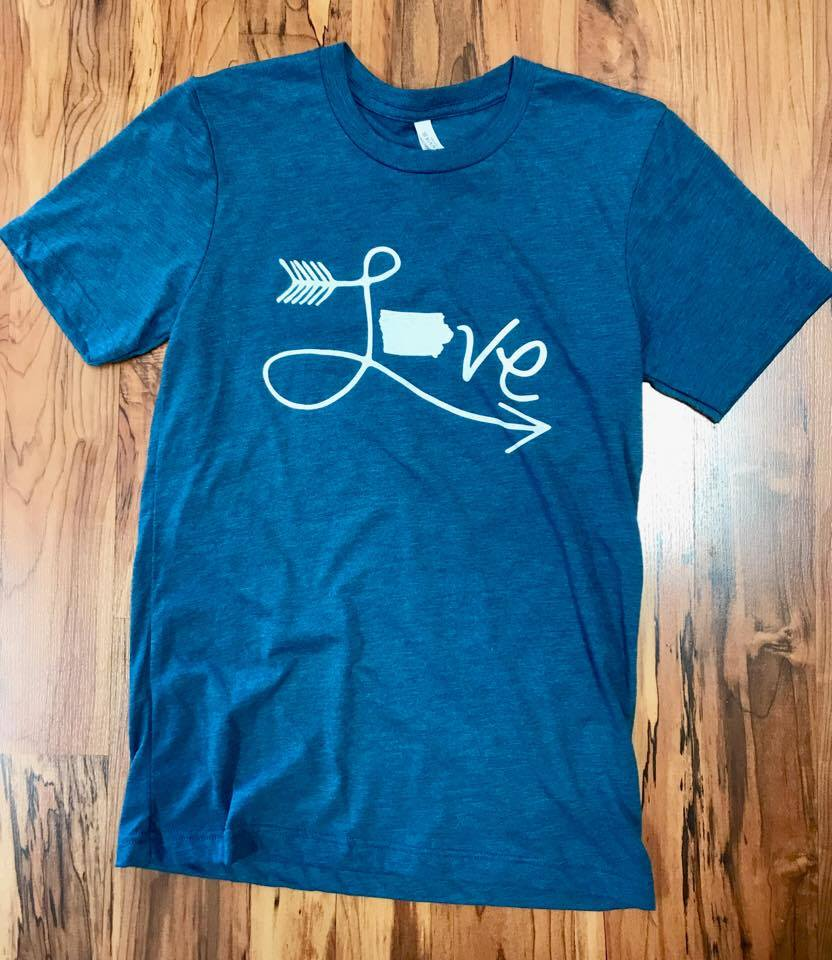 Image of Vintage Iowa Love Tee