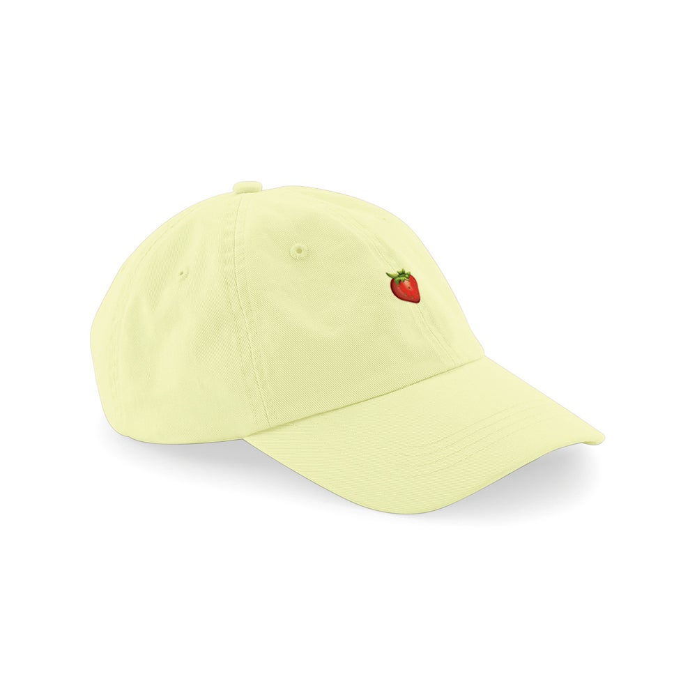 "Image of HAT ""ULALALA FRAGOLA"" PASTEL YELLOW"