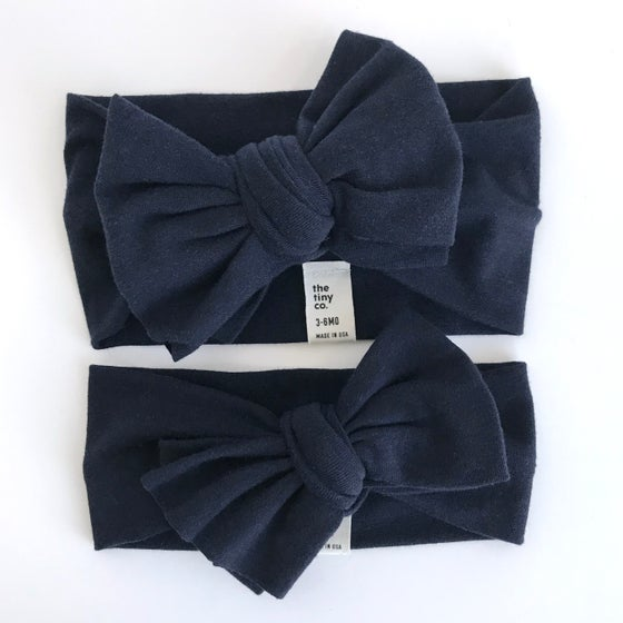 Image of navy // bow headband